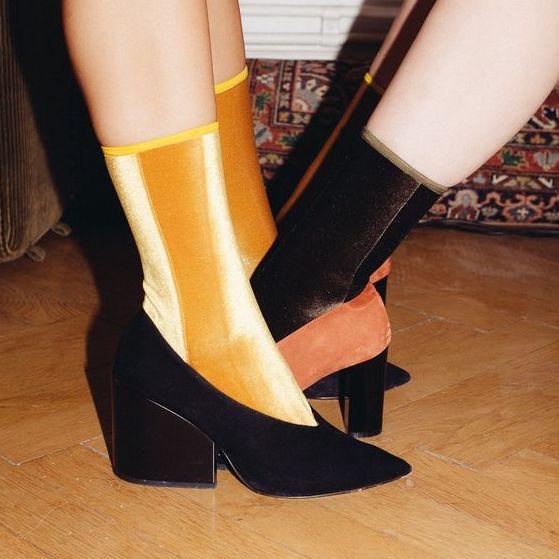 只要一雙小襪子,整身造型立刻不同!