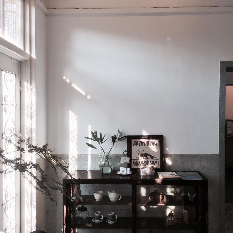 嘉義 白色洋房 Come home 咖啡漫步 甜食 風格 故事 樸實 感動