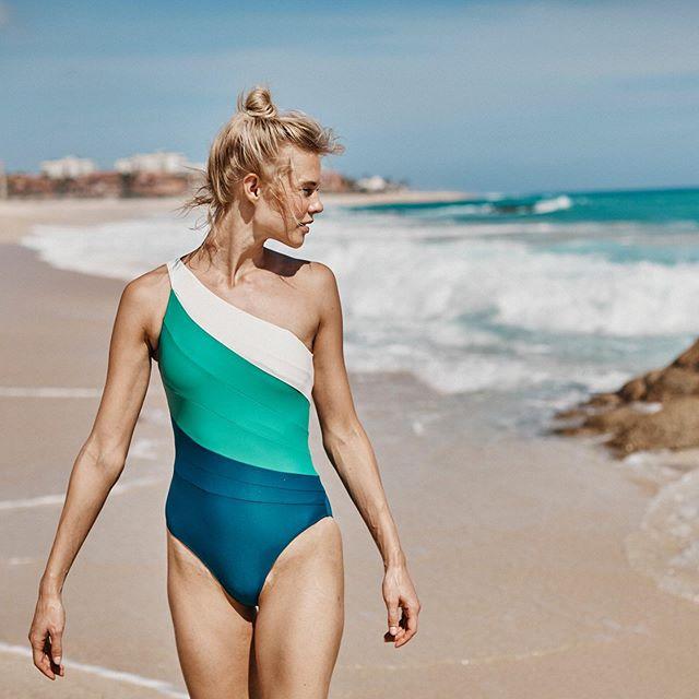 穿上「環保布料」的泳衣,或許也能減輕海洋污染的負擔