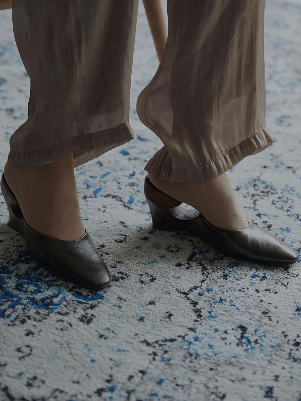 夏天癮未過完?一雙方頭穆勒鞋帶你一起過渡到秋天的涼意!